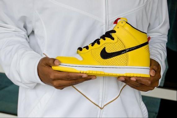"Nike Dunk Hi SB ""Wet Floor""   BELMONT ARMY"
